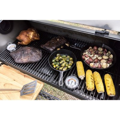 OKJ-lifestyle1803_1772-longhorn-reverse-flow-meatfest-surface-thermometer-800x800